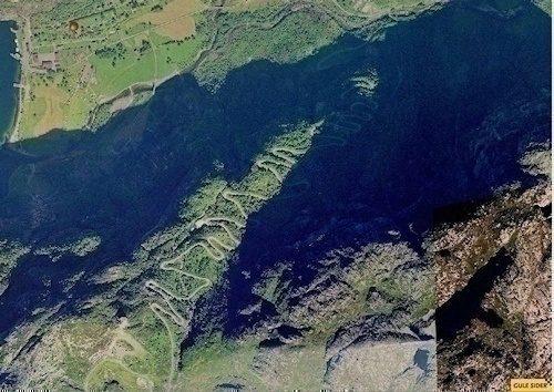 Lysebotn og vegen oppover. 27 hårnålssvinger, 29 km lang, stiger fra 0 moh til 932 moh!